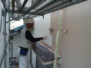 筑紫野市 K様邸 塗装工事 外壁 中塗り施工中