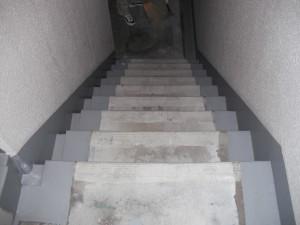 福岡市 南区 クラウド高宮改修工事 共用通路防滑シート 施工前
