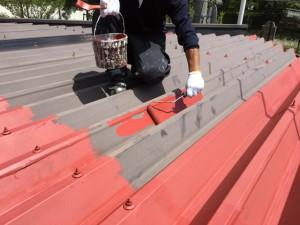 福岡市 中央区 塗装工事 S様邸 折半屋根 錆止め作業