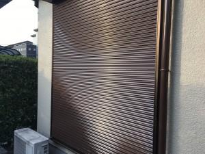 筑紫野市 T様邸 塗装工事 シャッター塗装 完了
