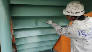 福岡県 粕屋郡 塗装工事 篠栗アパート 鉄骨階段 上塗り 施工中