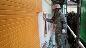 福岡県 塗装工事 篠栗アパート 外壁塗装 中塗り