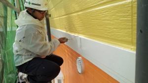 篠栗町 アパート塗装工事 帯 上塗り