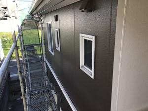 福岡県 粕屋町 アパート 塗装工事 外壁 上塗り 完了
