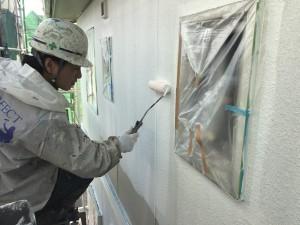 福岡県 粕屋町 アパート 塗装工事 外壁 下塗り 施工中