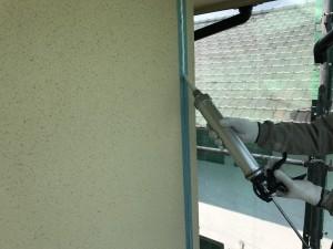 福岡県 久留米市 塗装工事 新規シーリング充填中