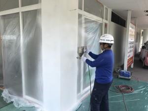 春日市 塗装工事 歯科医院 柱補修工事 リシン吹付塗装