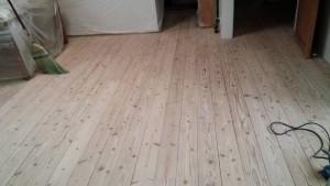 佐賀県 N様邸 内部塗装工事 床 研磨 完了