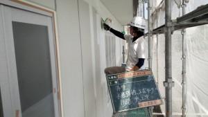 福岡県 糸島市 塗装工事 キリスト教会 ALC 外壁 下塗り 1回目 塗装 施工中