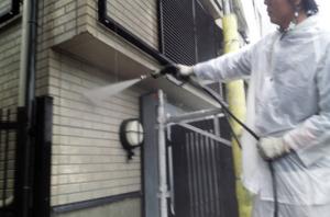 筑紫野市 H様邸 住宅 塗装工事 外壁 高圧洗浄 施工中