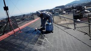 筑紫野市 コロニアル 屋根 塗装工事 下塗り 施工中