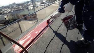 筑紫野市 コロニアル 屋根 塗装工事 棟板金 錆止め下塗り 施工中