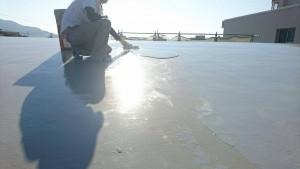 大野城市 レヴール筒井 屋上 防水工事 ウレタン塗膜防水密着工法  2回目 流し込み 施工状況