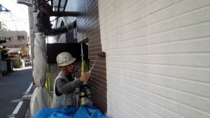 福岡県 福岡市 南区 アパート 塗装工事 ベルツ高宮 外壁下塗り 日本ペイント オーデフレッシュSi 1回目 上塗り