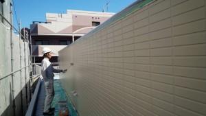 福岡県 福岡市 南区 アパート 塗装工事 ベルツ高宮 外壁下塗り 日本ペイント オーデフレッシュSi 2回目