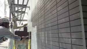 福岡県 福岡市 南区 アパート 塗装工事 ベルツ高宮 外壁下塗り 日本ペイント パーフェクトサーフ 施工中