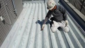 福岡市 南区 アパート 塗装工事 ベルツ高宮 下地 ケレン作業