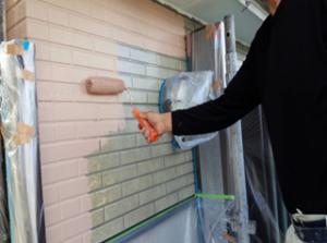 筑紫野市 H様邸 住宅 塗装工事 外壁 サイディング 塗装 上塗り 1回目 施工中