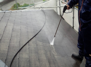 筑紫野市 H様邸 住宅 塗装工事 屋根 コロニアル 塗装 高圧洗浄 施工中