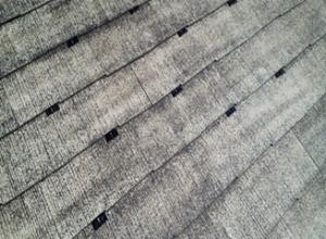 筑紫野市 H様邸 住宅 塗装工事 屋根 コロニアル 塗装 縁切工法 タスペーサー 取付け状況