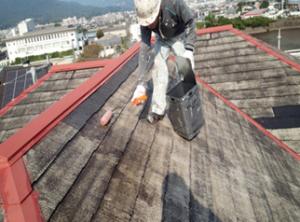 筑紫野市 H様邸 住宅 塗装工事 屋根 コロニアル 塗装 下塗り 2回目