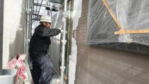 筑紫野市 外壁 塗装工事 A様邸 サイディングボード 塗装 上塗り 日本ペイント パーフェクトトップ 1回目