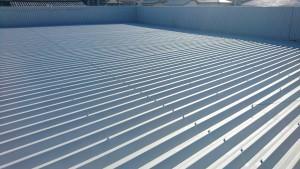 春日市 塗装工事 たんぽぽ整骨院 折半屋根 塗装 錆止め塗装 施工完了