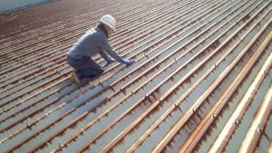 春日市 たんぽぽ整骨院 折半屋根 塗装工事 高圧洗浄 ケレン作業