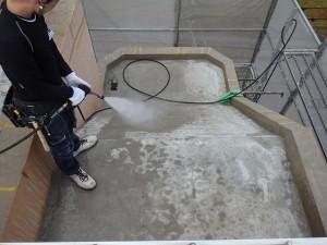 太宰府市 ベアバレー太宰府 マンション 防水工事 高圧洗浄施工中