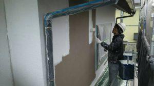 福岡県 新宮町 H様邸 外壁モルタル 塗装工事  日本ペイント 下塗り パーフェクトフィラー波型模様