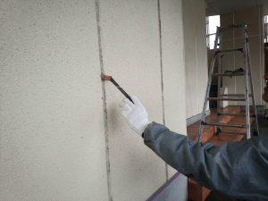 福岡県 粕屋郡 須恵町 ファーストコート アパート改修塗装工事 ALC 目地シーリング工事 プライマー施工中
