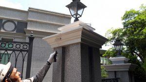 福岡市 中央区 キリスト教会 外灯土台 幕板 板金 塗装工事 日本ペイント ファインパーフェクトトップ 上塗り