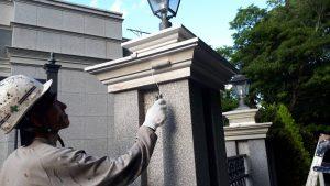 福岡市 中央区 キリスト教会 外灯土台 幕板 板金 塗装工事 日本ペイント ファインパーフェクトトップ 中塗り