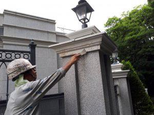 福岡市 中央区 キリスト教会 外灯土台 幕板 板金 塗装工事 塗膜剥離 ケレン除去