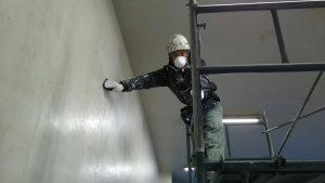 福岡市 長浜 福岡中央市場 倉庫 改修工事 内部壁塗装 ケレン作業