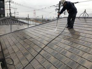 福岡県 塗装業者 有限会社辻塗装店 コロニアル屋根 高圧洗浄 説明