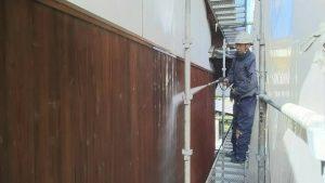 福岡県 粕屋郡 篠栗町 K様所有物件 N様邸 高圧洗浄作業 板壁 施工中