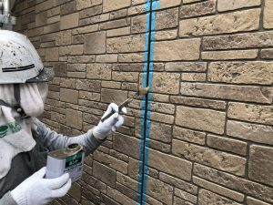 福岡市 早良区 N様邸 住宅塗装工事 サイディングボード シーリング打替え工事 プライマー塗布