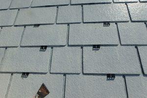 屋根の脱気緩衝材と補強・補修材  タスペーサー 縁切工法 取付け状況