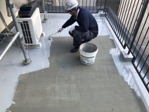 ウレタン塗膜防水 防水材1回目 施工状況