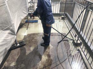 ウレタン塗膜防水 高圧洗浄 施工状況