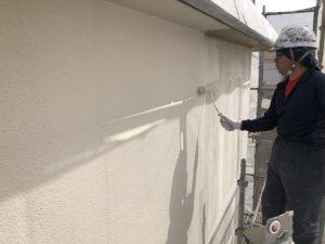 小郡市 外壁 RC 鉄筋コンクリート造 塗装工事 中塗り パーフェクトトップ 施工中