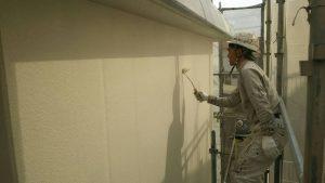 小郡市 外壁 RC 鉄筋コンクリート造 塗装工事 上塗り パーフェクトトップ 施工中