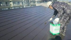 小郡市 コロニアル屋根 (スレート屋根) 塗装工事 ファインパーフェクトベスト 2回目 (上塗り) 施工中