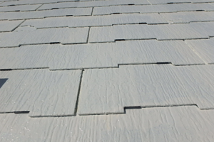 小郡市 M様邸 屋根塗装工事 縁切り工法 タスペーサー 取付完了